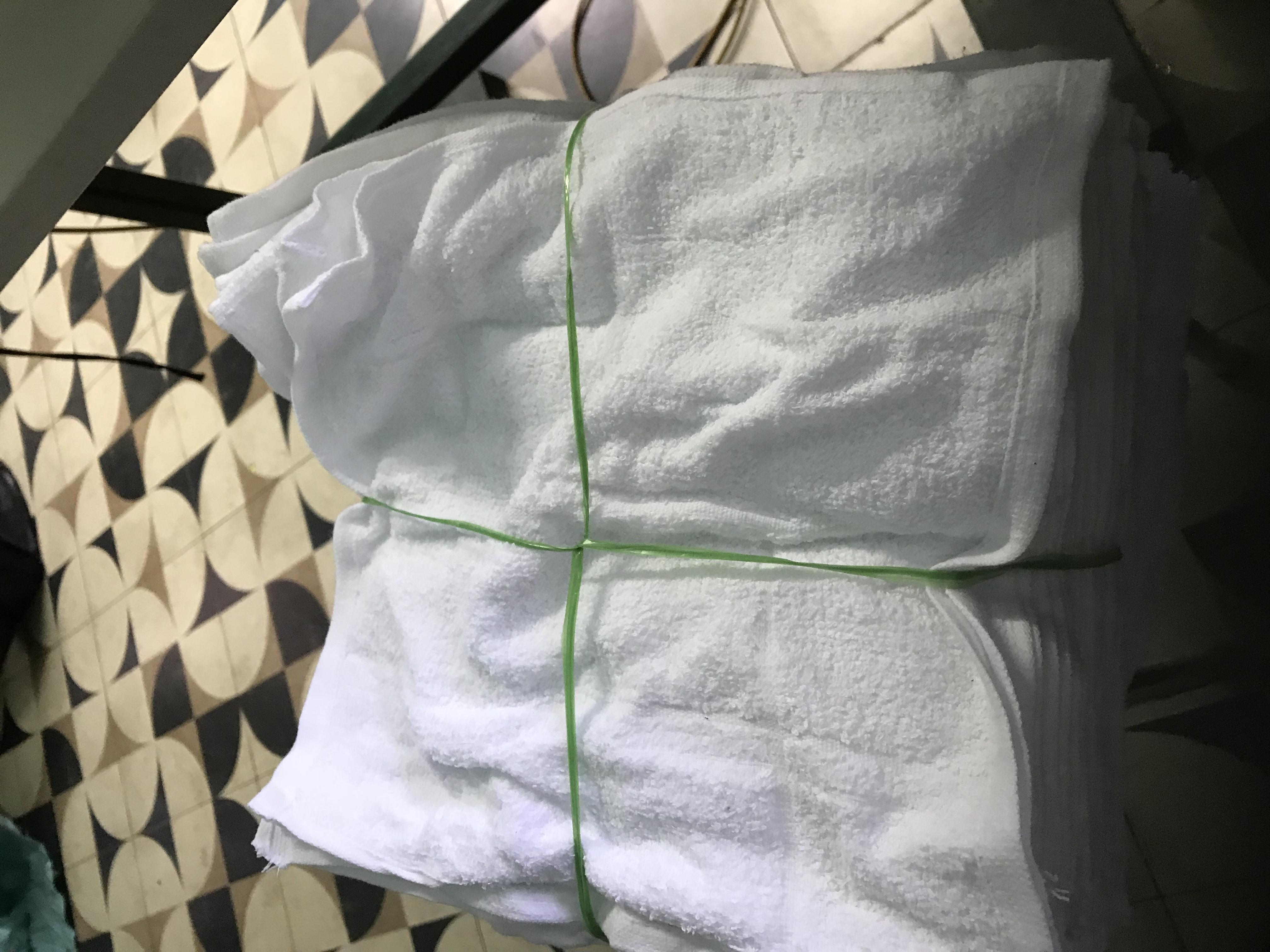 Bảo hộ -văn phòng phẩm-  tạp phẩm-  vệ sinh  -thu gom phế liệu zalo  0912677982